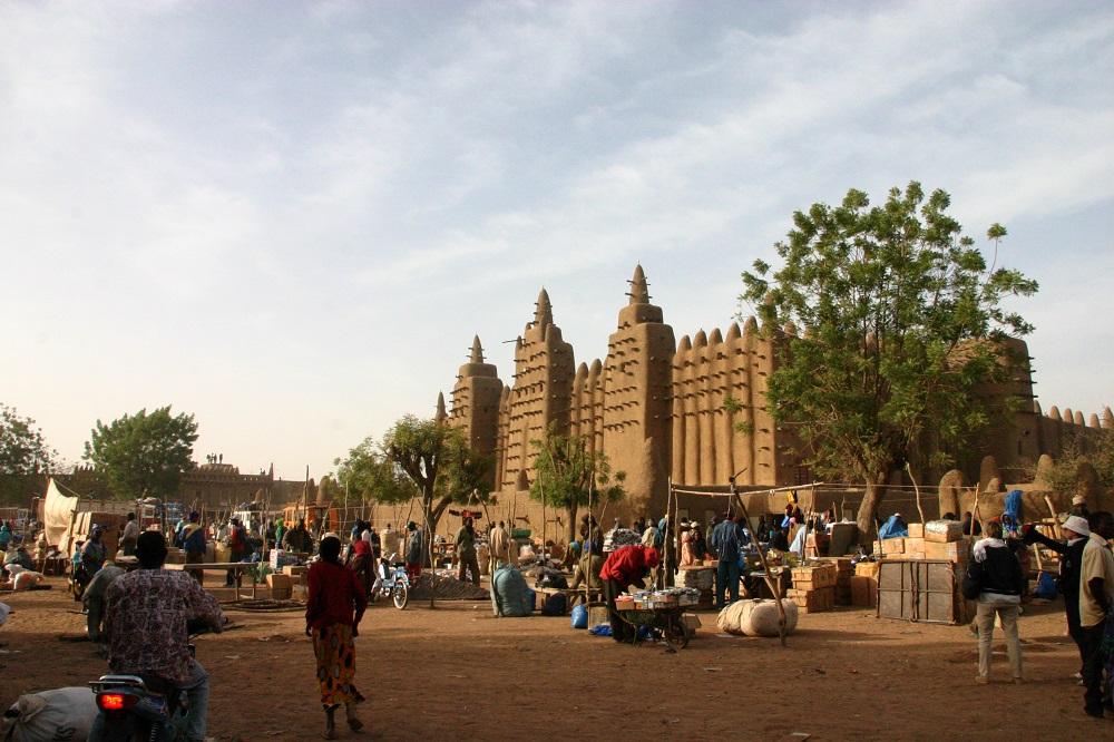 経済制裁下の暮らしを想像することが出来ますか?スーダンで起こっていること